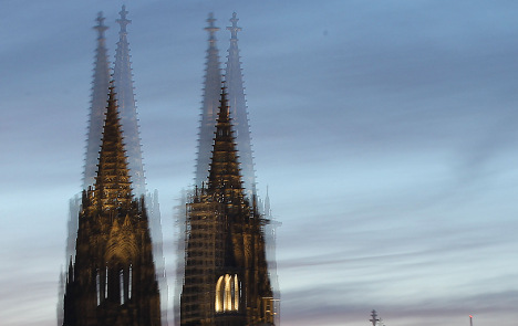 Cologne Cathedral gets bad vibrations