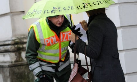 Germans trust political parties least, police most