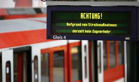 German railway stations ordered to go electronic