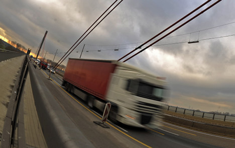 Truck rolls 10km on autobahn with no driver
