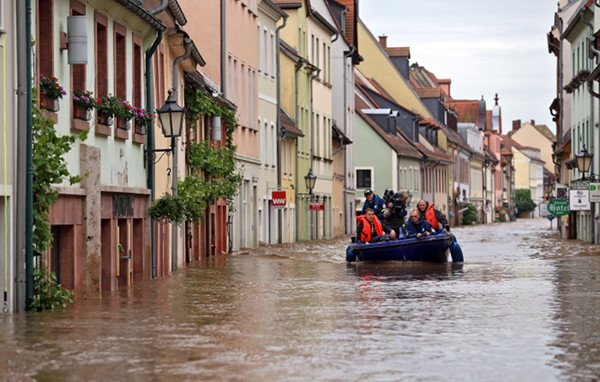 Grimma <br>Those living in the town centre have seen their shops and houses fill up with water. Photo: DPA