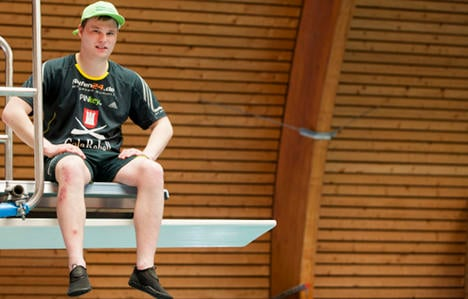 Student dives 700 times in 24 hours