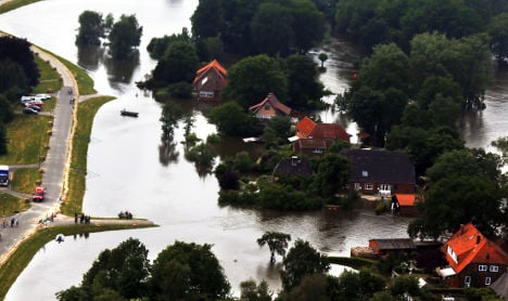 Death toll rises as floods roll northward