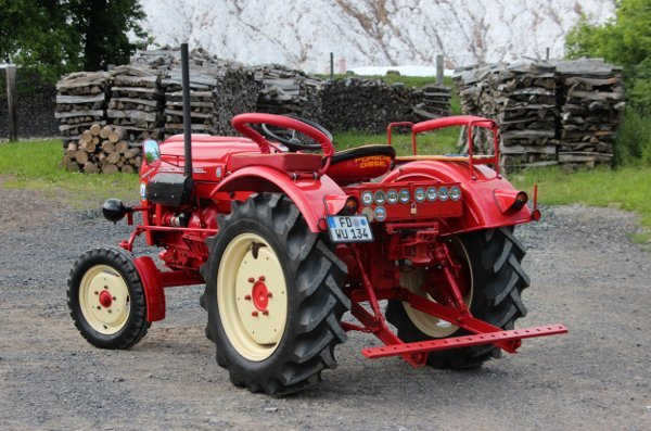 How much character can an old tractor have?Photo: DPA