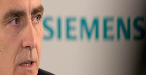 Siemens boss axed after poor results
