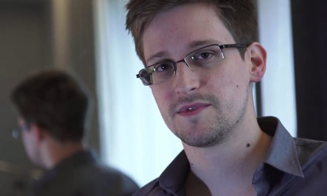 Germany 'to review' Snowden asylum request
