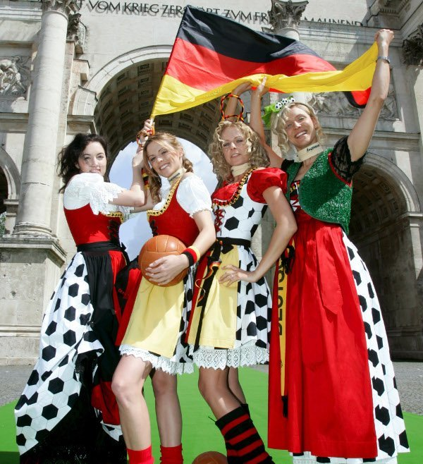 Why you should<br>3) You might learn some German slang. Kohle, Klo, Karre? The best way to find out the meaning of these slang words is by dating a German. (Or by reading them here - cash, toilet, car).Photo: DPA