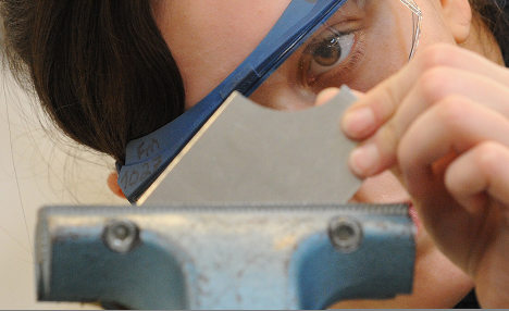Jobless youth spurn apprenticeships