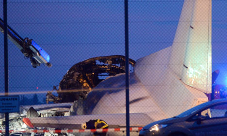 1,000 chicks die in plane fire at airport