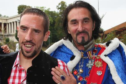 Winger Franck Ribéry, pictured with a double of former Bavarian King Ludwig IIPhoto: DPA