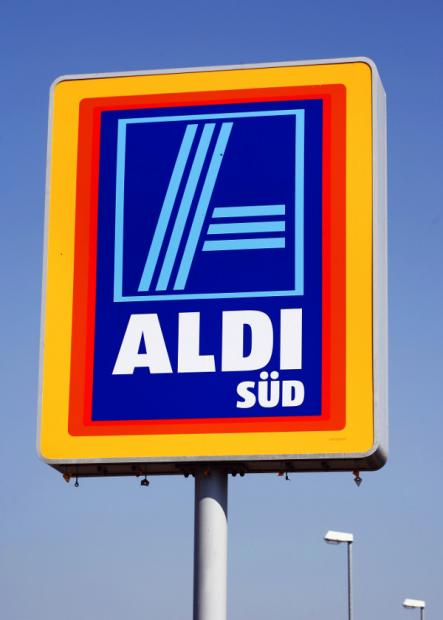 1st<br>With a whopping personal fortune of €17 billion, Theo Albrecht's brother Karl is Germany's richest man and number 18 on the world's rich list. Karl co-founded the Aldi supermarket chain with his brother and after it split in 1960, presided over the southern Süd chain.Photo: DPA