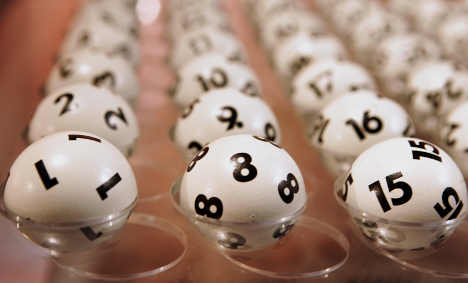 Court: Man must share lottery win with ex-wife
