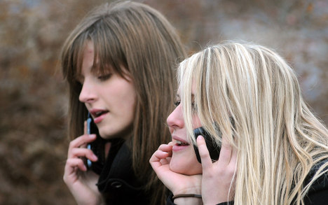 One in four jealous of partner's phone