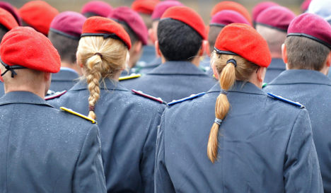 Germany aims for 10,000 more women soldiers