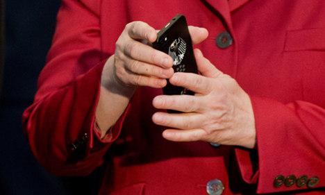German politicians to get encrypted phones