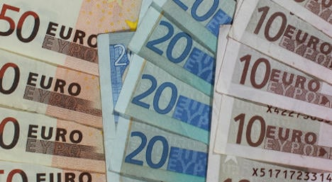 Man tries to smuggle €100,000 in his shoes