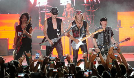 The Scorpions make acoustic debut