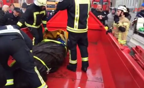 Two-tonne lady lifted from river bed