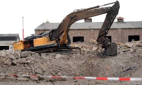 Digger driver killed by British WWII bomb