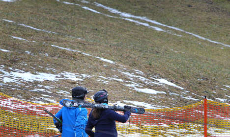 Ski championships called off as snow fails to fall