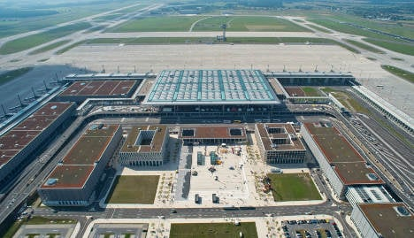Berlin airport will 'cost €8 billion and open in 2017'