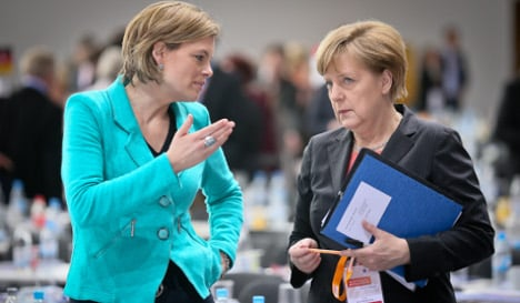 CDU threatens to pull plug on early retirement
