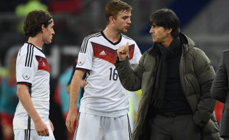 Löw ignores boos as young German side held