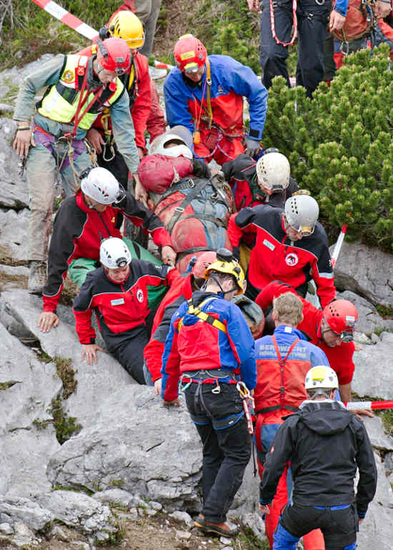 Explorer rescued from Germany's deepest cave
