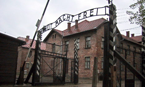 'Auschwitz criminal' dies ahead of US extradition