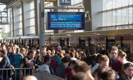 S-Bahn arson in support of refugees, group claims
