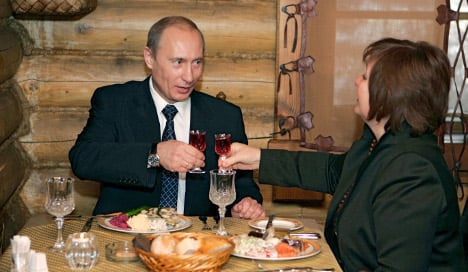 Russia bans German food imports for a year