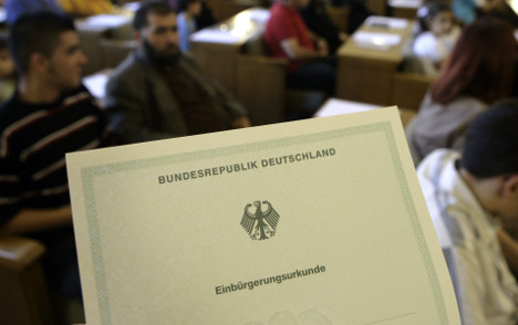 Over 100,000 foreigners get German citizenship