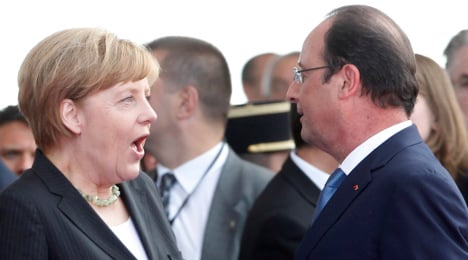 Do more to boost growth, Hollande tells Germany