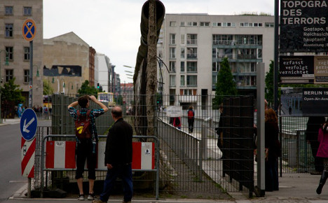 Expats reveal another side of Berlin Wall