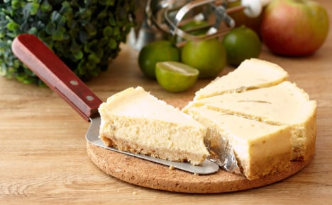 Tourist finds €7,500 instead of cheesecake