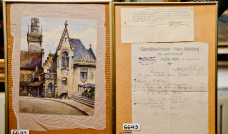 Hitler painting goes under the hammer