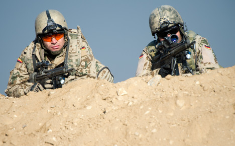 850 troops 'to stay' in Afghanistan