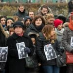 Around 1,500 people held vigil in front of the clinic in Offenbach am Main near Frankfurt following the news that Tugce A. had been declared brain dead. Her family turned off life support on Friday. Photo: DPA