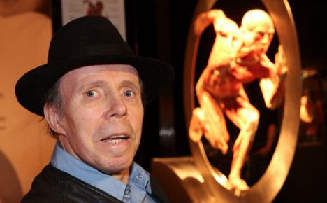 'Dr Death' corpse museum gets go-ahead