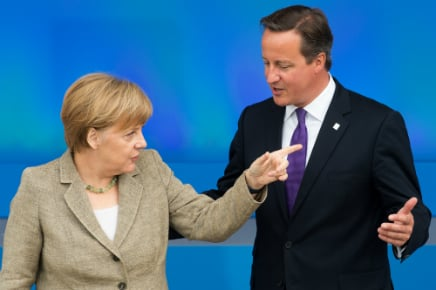 Merkel to fly to London for Cameron summit