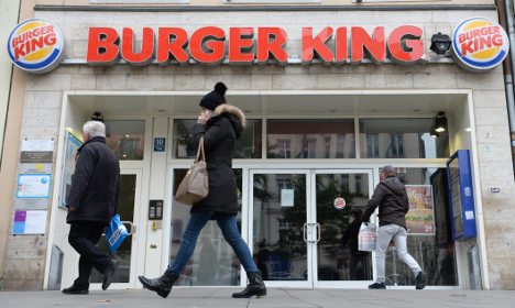 Burger King woos couch potatoes with delivery