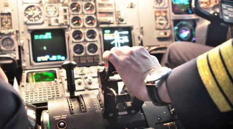Pilots' doctors want stricter psych checks