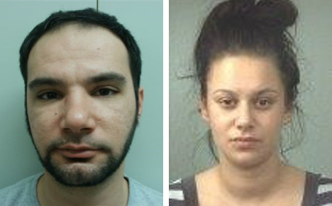 Two criminals on the run after daylight escape
