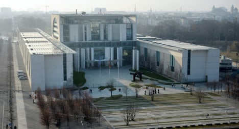 Man arrested over Chancellery fire attack