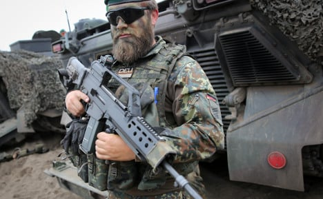 Army buys in new guns to replace defective G36