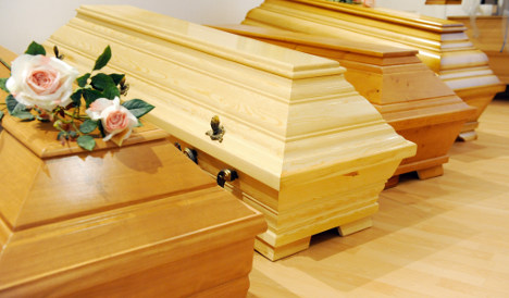 Man promises to stop coffin naps in public