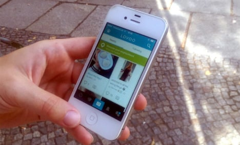 Dating app 'tricks users with fake profiles'