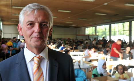 President of refugee authority steps down