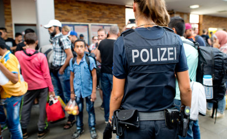 Munich plans to keep revellers, refugees apart