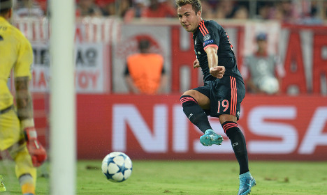 German star to auction boots to help refugees